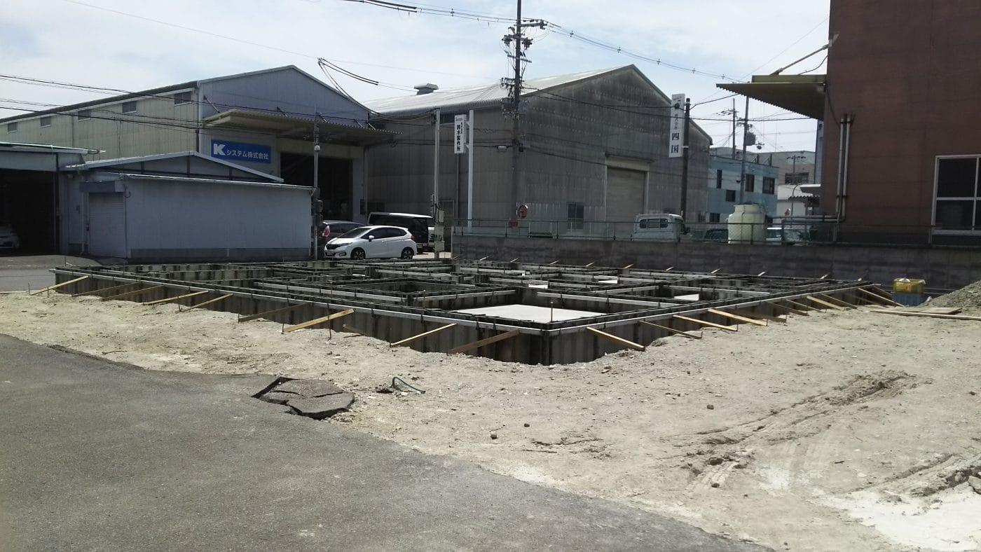運送会社の新社屋。基礎工事(鉄筋工事)